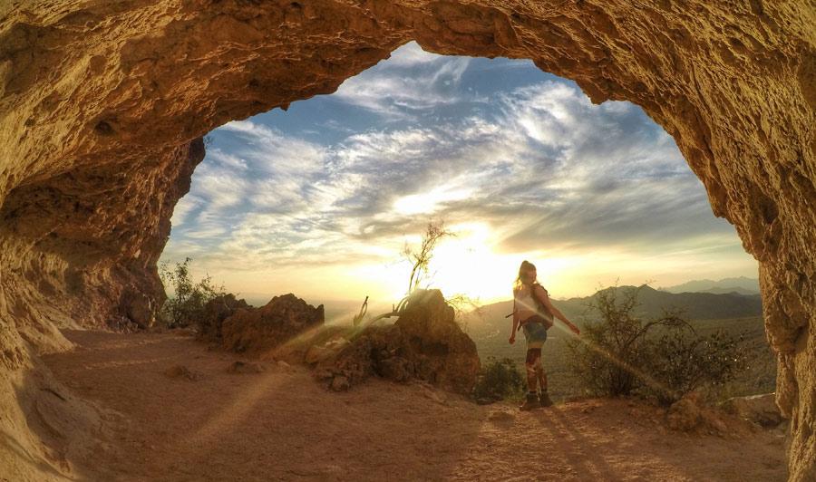 Wandern auf dem Wind Cave Trail bei Mesa