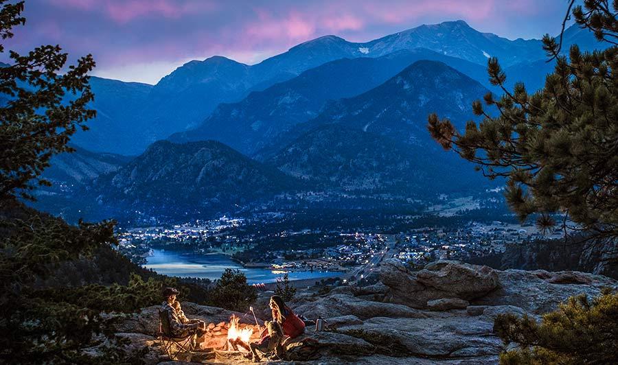 Estes Park mit dem Blick auf die Rocky Mountains