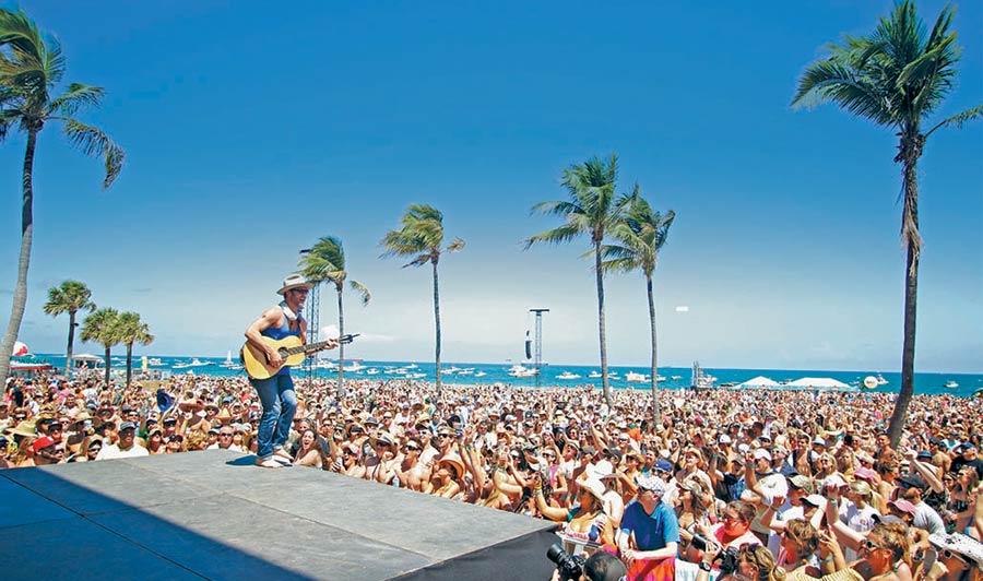 Livemusik am Strand von Lauderdale-by-the-Sea