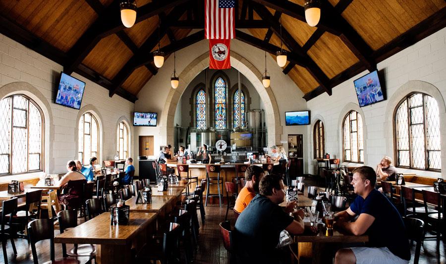 Angesagter Brewpub in Detroits ehemaliger Kirche