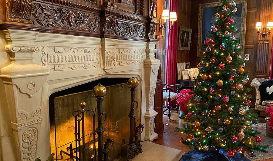 Weihnachtszeit im Nemours-Anwesen