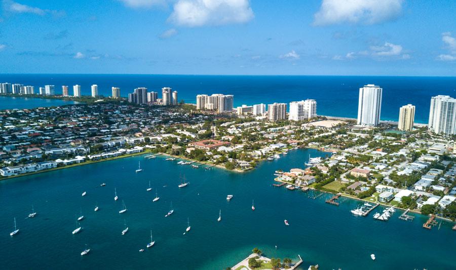 Wasserstraßen, Yachten, Palmen und der Atlantik: The Palm Beaches