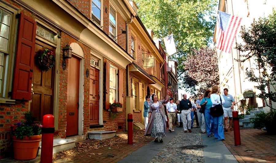 Elfreths Alley - die älteste, bewohnte Reihenhausstraße der USA