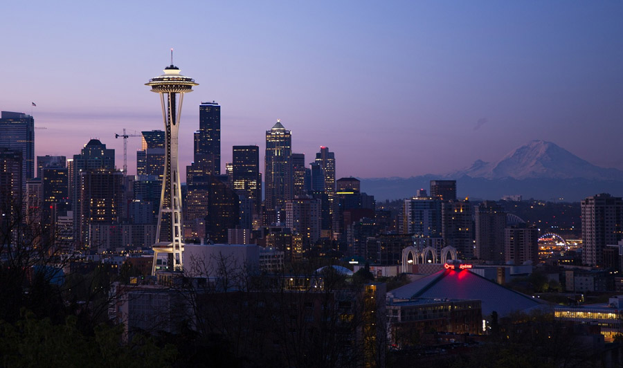 Seattle's Skyline bei Nacht