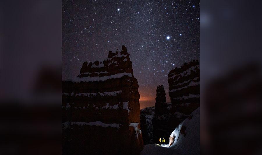 Funkelnde Nachthimmel über dem Bryce Canyon Nationalpark