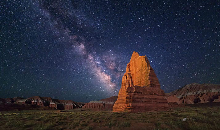 Cathedral Valley im Capitol Reef Nationalpark bei Nacht