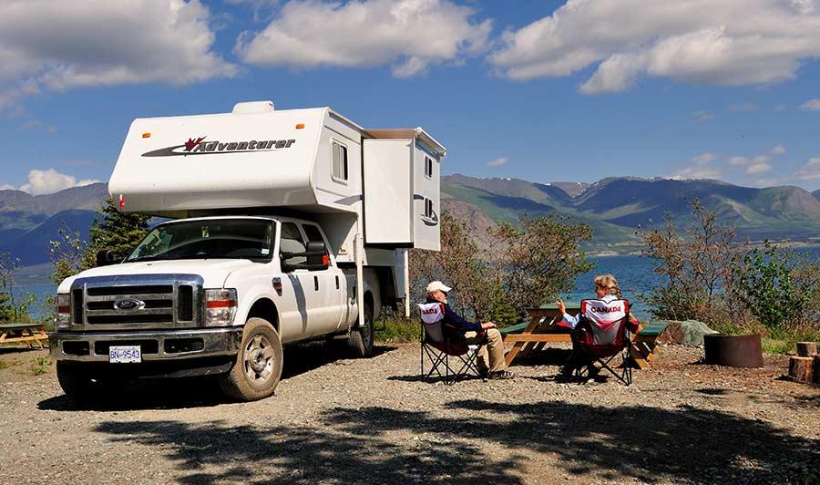 Camper am Kluane Lake