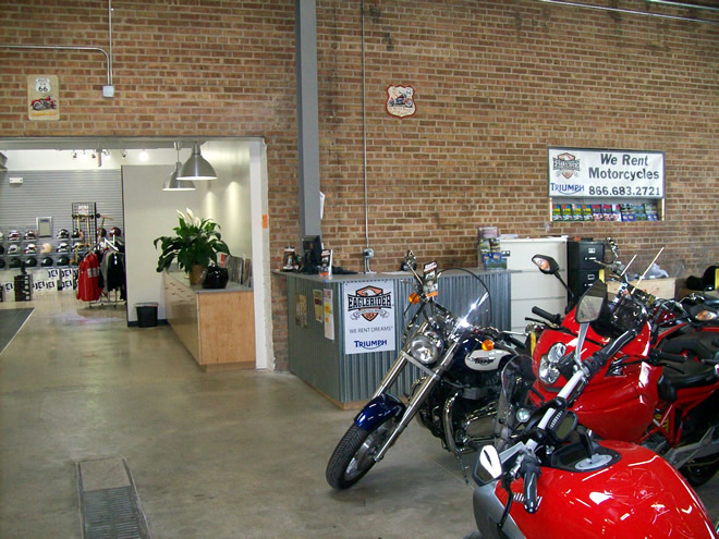EagleRider Motorrad Station in Chicago Triumph